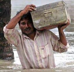 Trzecia fala powodzi niszczy Assam