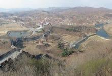 Graniczna rzeka Yalu między Chinami a Koreą Płn