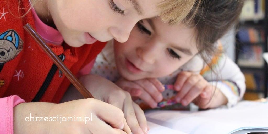 dzieci szkoła