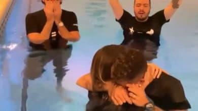 Photo of Gwiazda futbolu Roberto Firmino przyjmuje chrzest, publikuje poruszające video