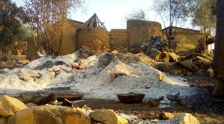 Budynki zniszczone przez Boko Haram w Kamerunie