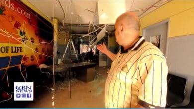 """Photo of """"Przeczucie od Ducha Świętego"""": pastor z Bejrutu przed eksplozją wysyła ludzi do domu"""