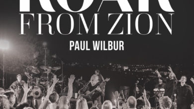 "Photo of Paul Wilbur i jego bestsellerowa płyta ""Roar From Zion"""