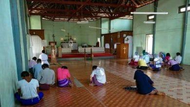 Chrześcijanie w kościele